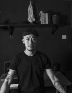 土生葡人百強(Fortes Pakeong Sequeira)樂隊主音歌手、藝術家