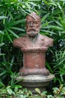市政署後花園,葡國詩人賈梅士雕像