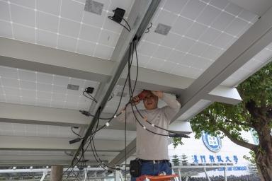 停車棚裝太陽能板工程