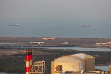 發電廠及遠處的機場