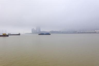 大霧天氣下的十字門水道