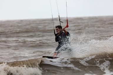 黑沙海灘滑浪風帆