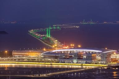 港珠澳大橋及人工島夜色