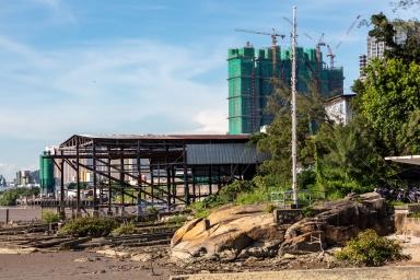 """荔枝碗船廠及在建的""""金峰南岸"""""""