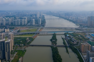 前山河及昌盛大橋