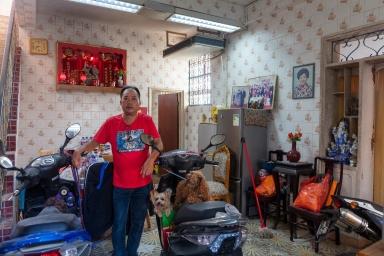 茨林圍24號歐宅,歐先生55歲以前從事裝修材料貿易
