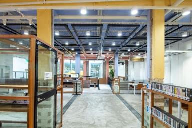 沙梨頭圖書館一層的閱讀空間