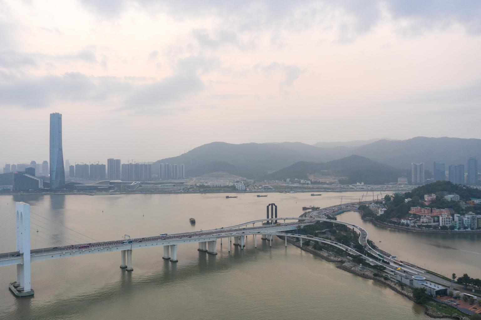 西灣大橋及遠處的珠海